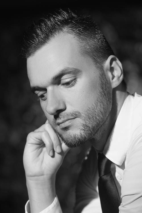 Portréfotó fekete-fehérben