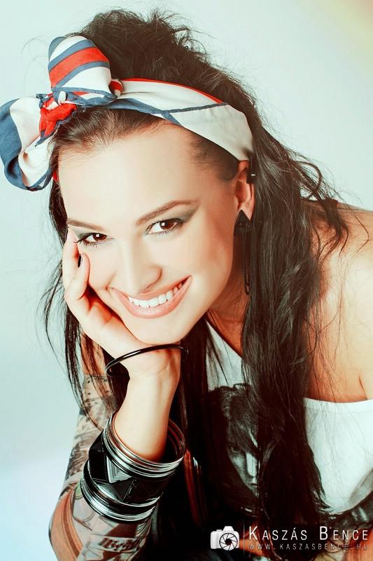 Gubik Petra énekesnő