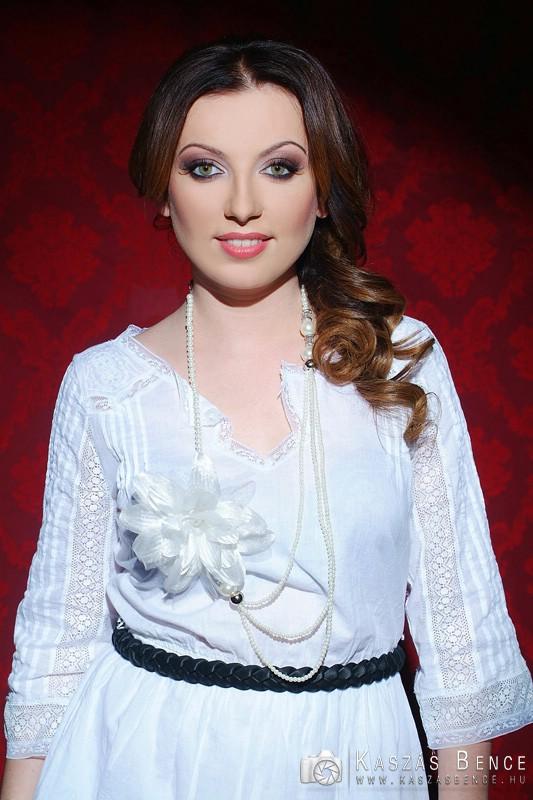 Portréfotók Rúzsa Magdiról